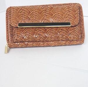Handbags - NWOT Vegan woven leather wallet